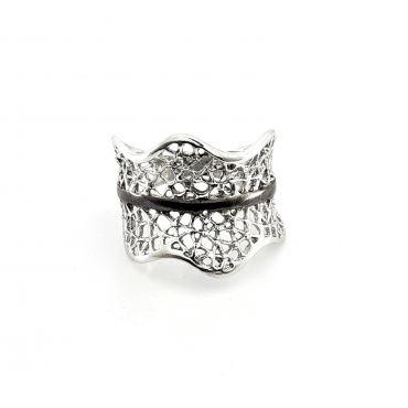 Srebrny ażurowy pierścionek