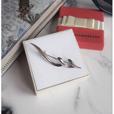 Piękna srebrna broszka