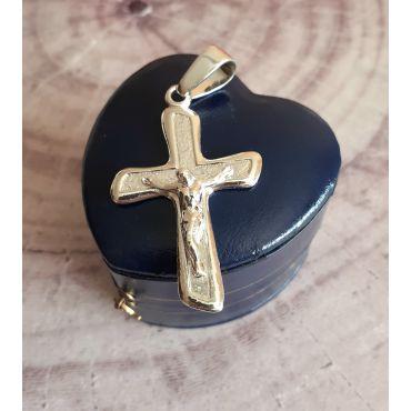 Krzyżyk srebrny z wizerunkiem Jezusa